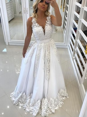 A-Line V-Neck Sweep/Brush Train With Lace Tulle Dress