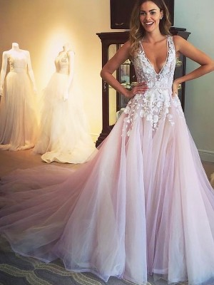 A-Line V-neck Sweep/Brush Train Tulle With Applique Dress