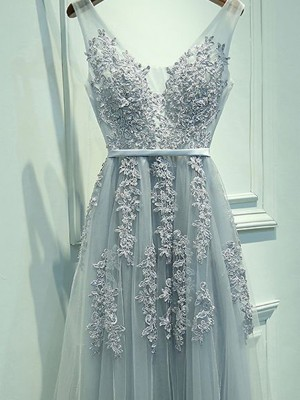 A-Line Princess V-neck Tulle Applique Floor-Length Dress