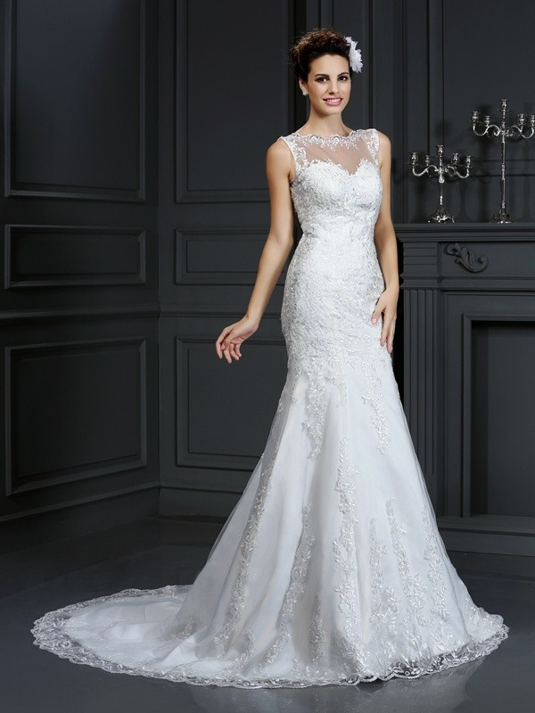 Sheath/Column Bateau Lace Beautiful Long Satin Wedding Dress