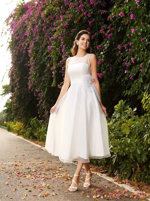 Fashion A-Line Princess Bateau Sash/Ribbon/Belt Beautiful Long Satin Wedding Dress
