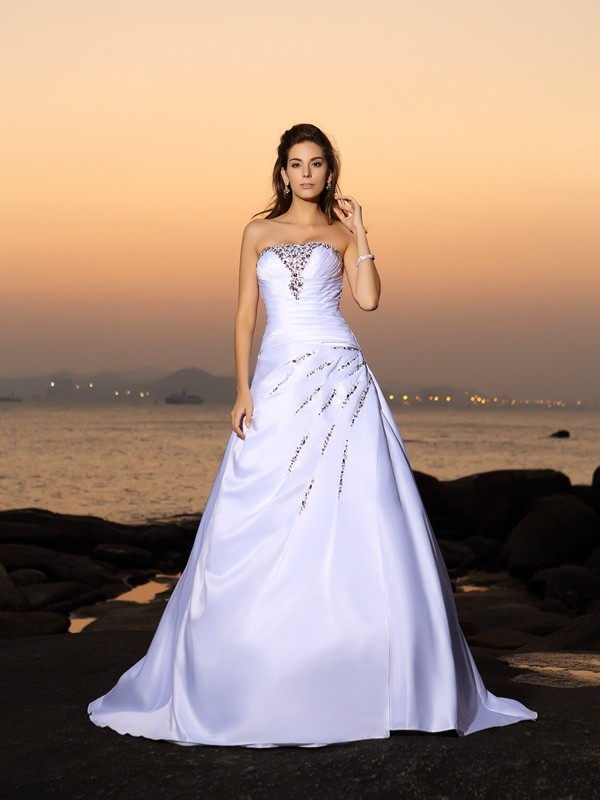 Fashion A-Line Princess Strapless Beading Beautiful Long Satin Beach Wedding Dress