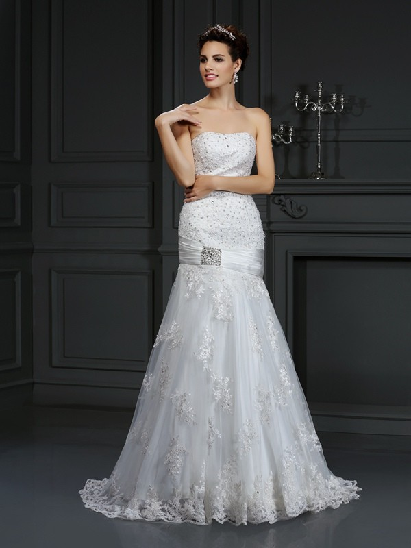 Sheath/Column Strapless Applique Beautiful Long Satin Wedding Dress