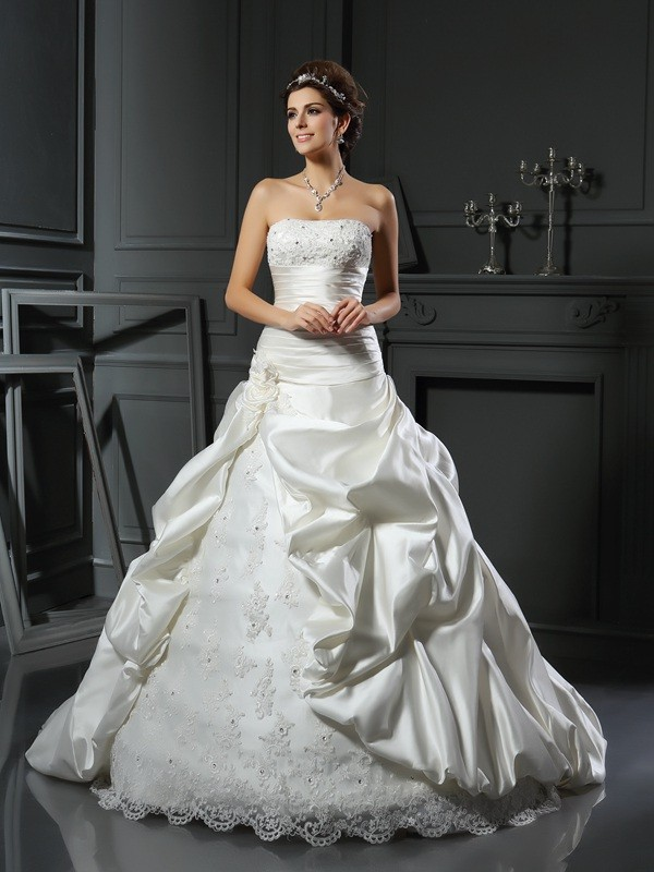 Ball Gown Sweetheart Beading Applique Long Satin Wedding Dress
