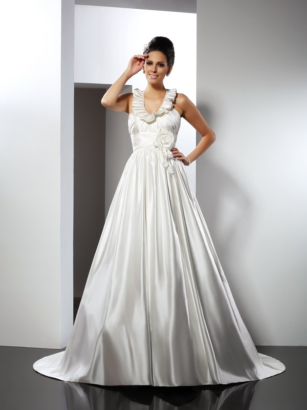 Lovely A-Line Princess Halter Hand-Made Flower Long Satin Wedding Dress