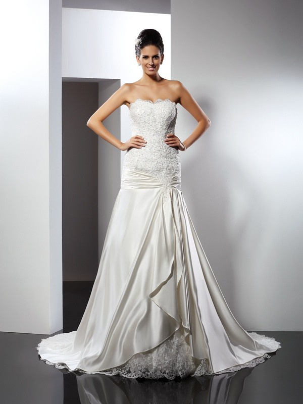 Mermaid Sweetheart Applique Long Satin Wedding Dress