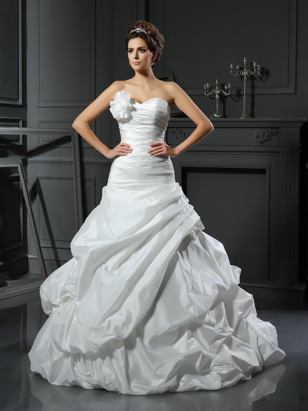 Ball Gown Sweetheart Hand-Made Flower Long Satin Wedding Dress