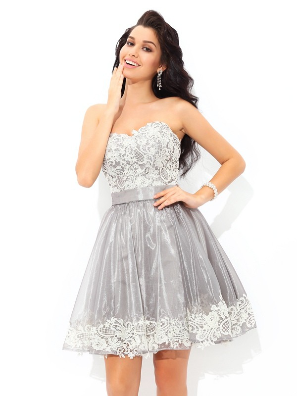 Lovely A-Line Princess Sweetheart Lace Short Tulle Cocktail Dress