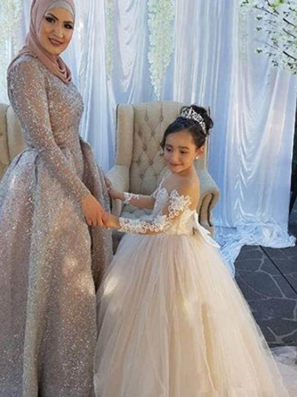 Ball Gown Long Sleeves Off-the-Shoulder Sweep/Brush Train Applique Tulle Flower Girl Dress