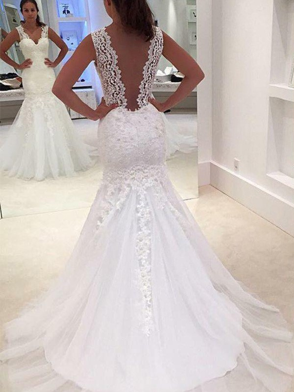 Mermaid Court Train V-neck With Applique Lace Wedding Dress