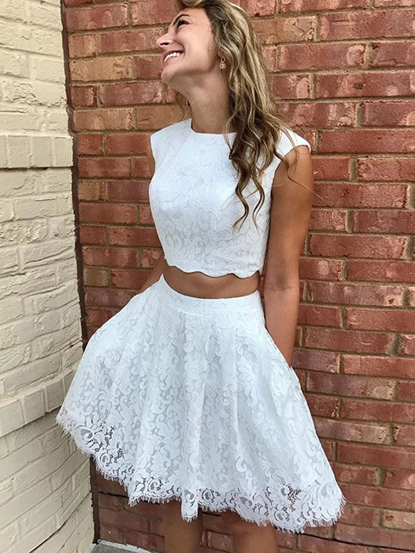 Dreamy A-Line Lace Lace Short/Mini Homecoming Dress