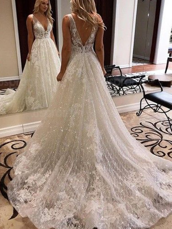 A-Line/Princess Sweep/Brush Train V-neck Sleeveless Applique Tulle Wedding Dresses