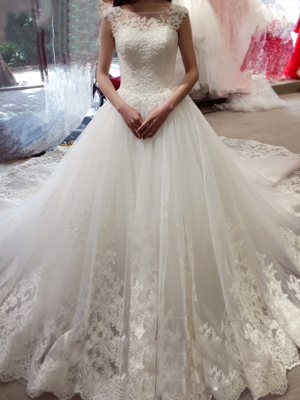Desired Spotlight Ball Gown Bateau Applique Chapel Train Tulle Wedding Dress