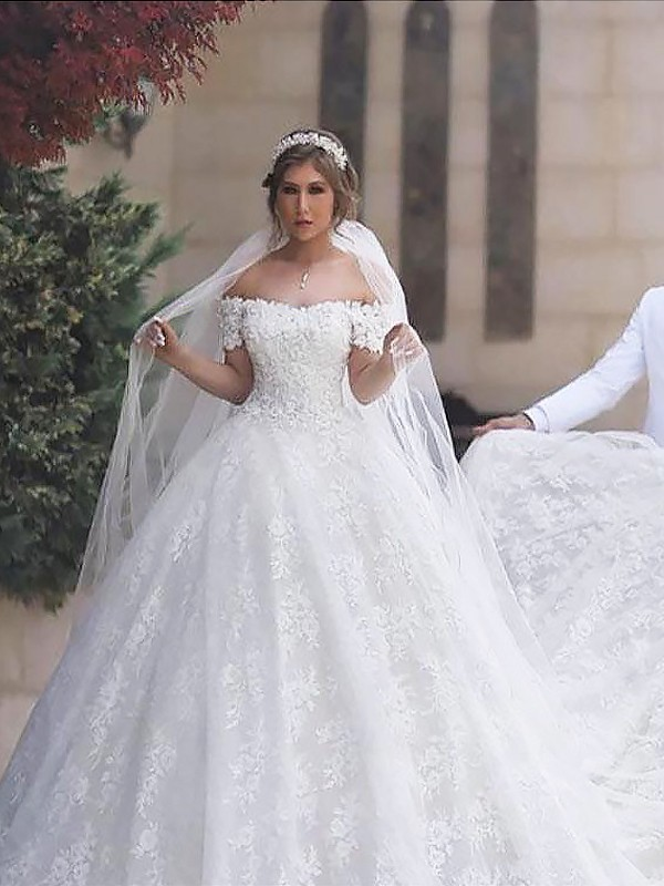 Ball Gown Off-the-Shoulder Lace Short Sleeves Tulle Court Train Wedding Dress