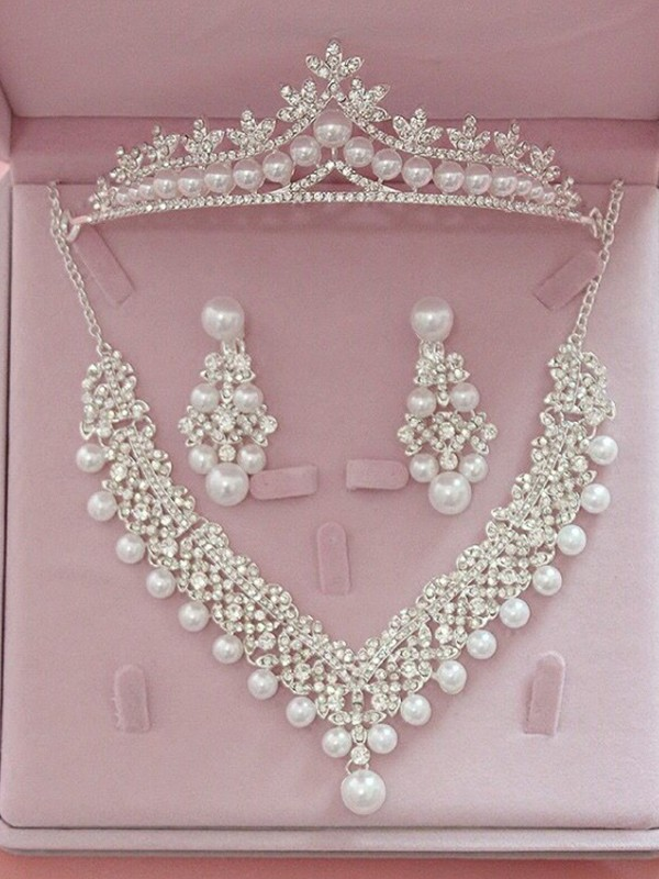Graceful Alloy With Rhinestone/Pearl Jewelry Sets For Ladies