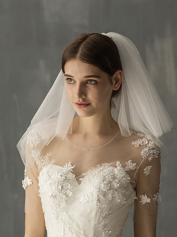 Graceful Tulle Two-Tier Shoulder Veils
